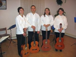 Ad Libitum Guitar Orchestra – Advent concert in Páty parish – 2009