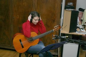 The Ad Libitum Guitar Ensemble in a music studio – 2012 (Katalin Rónai-Czentár)