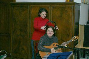 Ismét stúdióban az Ad Libitum Gitáregyüttes tagjai – 2012 (Rónai-Czentár Katalin, Bárkányi Ágota)